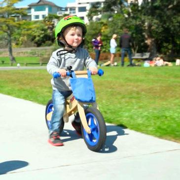 Como ajudar alguém a aprender a andar de bicicleta?