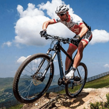 Você sabe controlar a Bike em pistas com obstáculos?